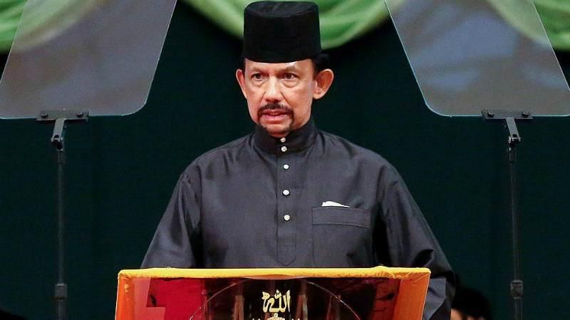 Брунейде гомосексуализм үшін таспен атып өлтіретін шариғат заңдары күшіне енді