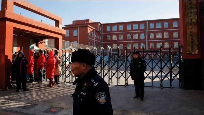 Қаза болғандар бар: Қытайда ер адам оқушыларға шабуылдады