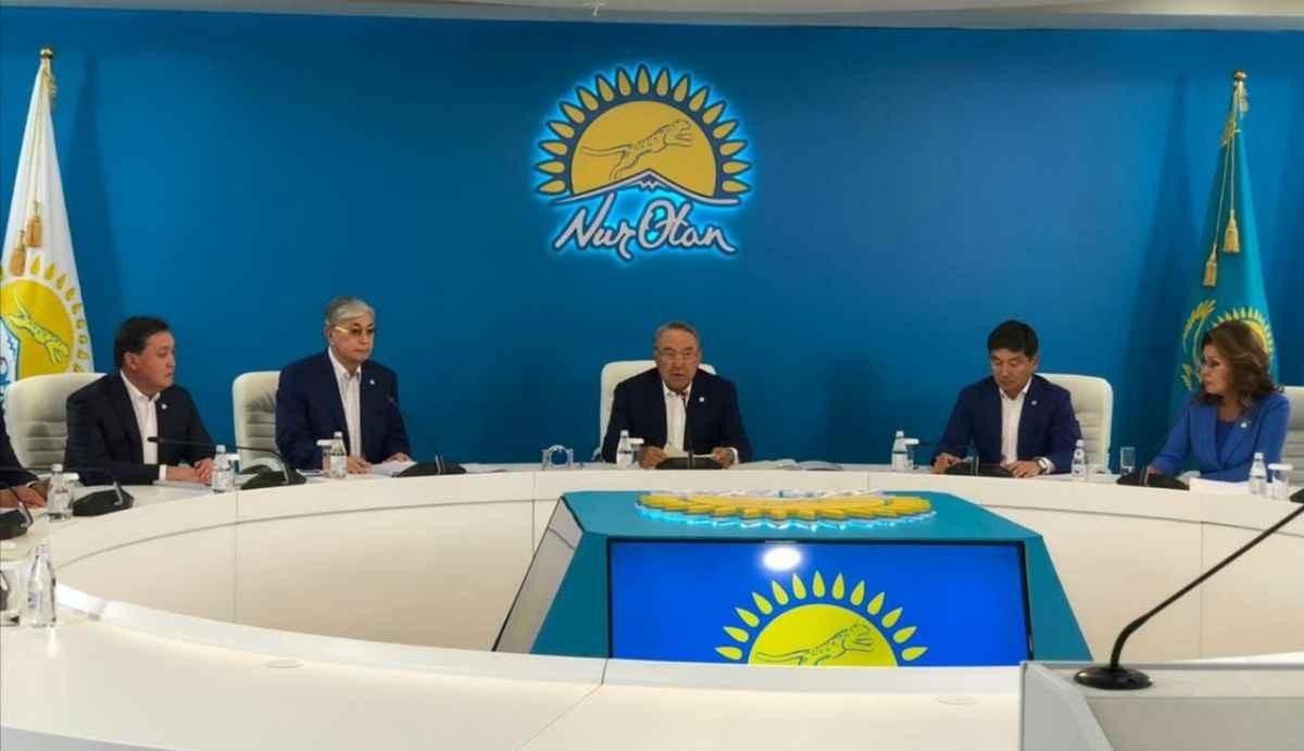 Баспасөз хатшысы: Назарбаев бірқатар маңызды мәселені талқылайды