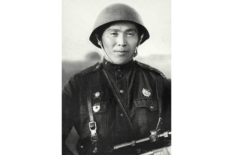 397 фашистің көзін жойған батыр: Даңқты мерген Төлеуғали Әбдібековтың ерлігі