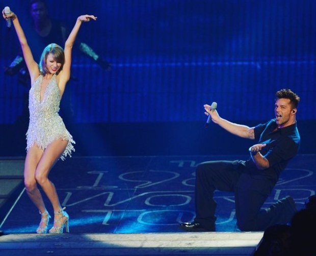 taylor-swift-and-ricky-martin-in-miami-concert (1)
