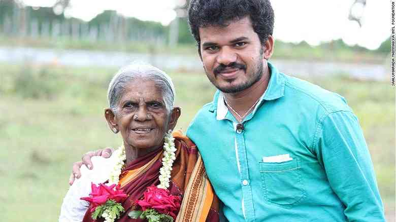 1480072648_161027170403-saalumarada-thimmakka-and-son-exlarge-169